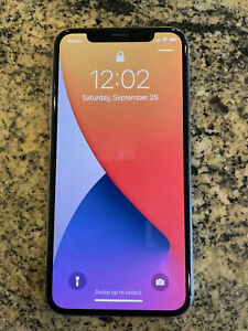Apple iPhone X - 64GB - White (Verizon) A1865 (CDMA + GSM)