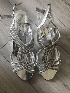 Silver Valavera sandals Wedding party Shoes used (once) Very Comfy