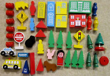 Lot Of Wooden Thomas The Tank Engine Track Set People, Trees, Animals, Signs,etc