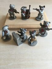 Van Heusen Pewter 7 Musical Bears with 2 wood bases