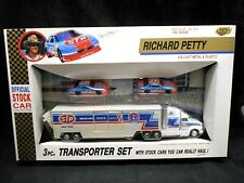 Richard Petty Official Stock Car Collection 3pc. Transporter Set 1/64 Scale Toy