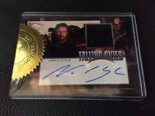Falling Skies Season 2 Noah Wyle As Tom Mason Autograph Costume Relic Card