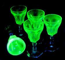 5 SMALL STUNNING VINTAGE GREEN URANIUM GLASS PORT LIQUOR GLASSES 12cm HIGH