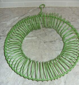 """Whole Peanut Metal 13"""" Wreath Ring Bird and Squirrel Feeder Lime Green Very Good"""