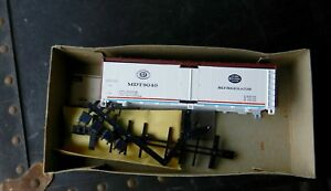 ATHEARN #5025 MDT NEW YORK CENTRAL SYSTEM WHITE W/BROWN 40' STEEL REEFER #9040