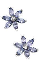 Pendientes de joyería con gemas blancas