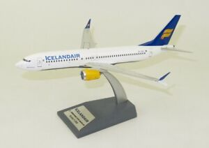 INFLIGHT 200 IF738MAXFI001 1/200 ICELANDAIR BOEING 737-8 MAX TF-ICE WITH STAND