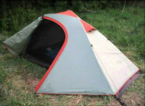 Alps Mountaineering Zephyr 2 Tent - Very good condition, Quick Setup!