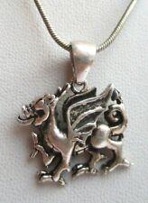 Beau collier chaîne pendentif dragon couleur argent ancien bijou vintage 4490