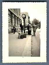 France, Paris, Retour de Chamonix  Vintage silver print.  Tirage argentique