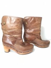 UGG Lynnea Brown Sherpa Pull-On Studded Leather Heel Boots Women's US 5 S/N1958