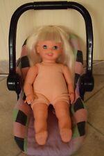 Puppe mitPuppen-Maxi Cosi