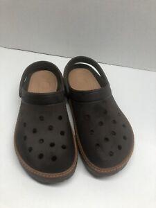 Mens Crocs Size 11 Brown  VERY NICE