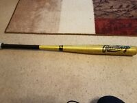 Rare Rawlings Michelob beer softball bat 34 in 35 Oz very good condition