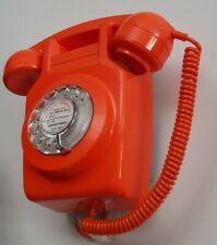 Superbe Téléphone mural orange  ☎️  à cadran converti box internet 1970