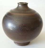 Wallakra (Sweden) miniature art pottery vase. Sweden, 1950s.