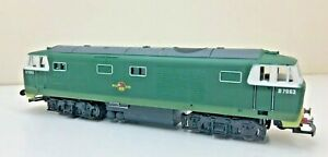 HORNBY R074 class 35 hymek No D7063 BRc green on WALTHERS CHASSIS SEE DESCIPTION