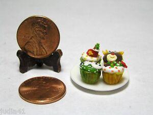 Miniature Dollhouse 4 Cupcakes  Handmade w/ Porcelain Plate  #002