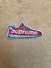 patch chaussures supreme , broder et thermocollant  6*3cm