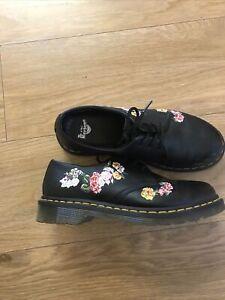 dr martens womens shoes size 7