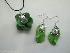 bijou fantaisie,collier avec pendentif et boucles d'oreille, tortues  *A7