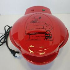 Smart Planet Peanuts Snoopy and Charlie Brown Waffle Maker Intertek New Nwb