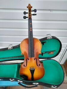 Lark M5002-2 Violin 1/2 Half Size Childs Beginners with Lockable Hard Case & Bow