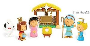 New Peanuts Charlie Brown Nativity Figures Deluxe Set