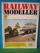 RAILWAY MODELLER MARCH 1999 > PRE-WAR SOUTHERN AT WATERSFIELD > SEE PICS