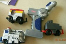 Fisher Price Geotrax working  engine W/ Remote & 2 cars