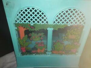 Vintage 1975 Barbie Mattel Beauty Bubble Bath Tub