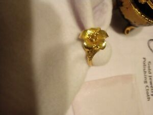 Beautiful vintage Custom 21k Gold ring excellent condition lily ring
