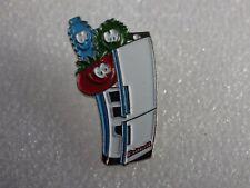 Pin's vintage épinglette pins publicitaire produit frais Lot BD 048