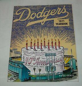 LOS ANGELES DODGERS 1971 YEARBOOK MLB SOUVENIR MAGAZINE WES PARKER DICK ALLEN