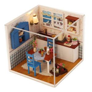 1:24 Dollhouse Miniature DIY European Style Prince Doll House Kits Kids Toy