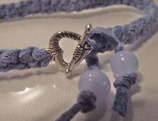 Bracelet noué bleu jean * Fermoir petit coeur * cadeau * amitié macramé