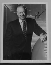 AUTOGRAPHED B&W PHOTO>AMERICAN NEWS ANCHOR/TV HOST/BROADCASTER>HUGH DOWNS