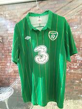 IRELAND THREE UMBRO GREEN FOOTBALL SHIRT SIZE GB 44 VGC
