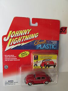 JOHNNY LIGHTNING  CLASSIC PLASTIC - VOLKSWAGEN RED W/ MINI MODEL KIT BOX