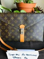 Louis Vuitton Vintage Envelope Shoulder Bag