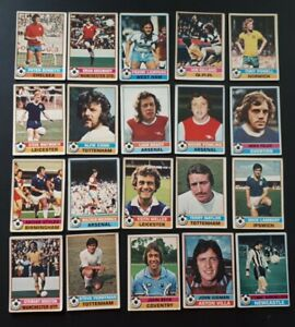 BUNDLE OF 20 Topps 1977 FOOTBALL CARDS LOT