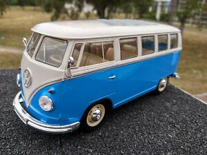 VW Bus Combi Volkswagen T1 bleu et blanc vitré1/24eme 17cm neuf en boite
