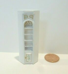 """MINIATURE 1/4"""" scale (1:48) CORNER SHELF WITH WITH HAND PAINTED DESIGN S-9105"""