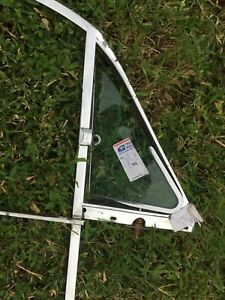 No Draught Vent Window Sundym Triplex  & Chrome FRAME LF Jaguar MK2 Daimler 250