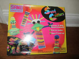 Sand Creations Lot Sand art critters plus extra accessories added lots of extras
