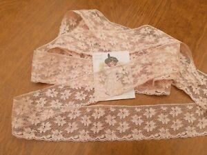 ANCIENNE DENTELLE en coton beige  rosé  des années 1950 seul coupon 1m30 +40cm