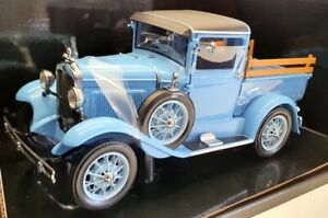 Sun Star 1/18 Scale 6117 - 1931 Ford Model A Pickup - Hessian Blue