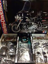 Tamiya 16037 1/6 Scale Motorcycle Model Kit Harley Davidson FLH Classic Black