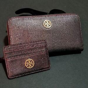 Tory Burch Metallic Purple Textured Zip Around Wallet And Card Holder Set
