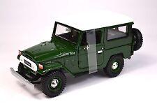 TOYOTA FJ40 LAND CRUISER 1974 GREEN MOTORMAX 79323 1:24 NEW DIECAST MODEL